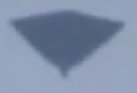 24-03-2011: Black Flying Triangle Videoed During Daytime Shirley, Southampton, UK